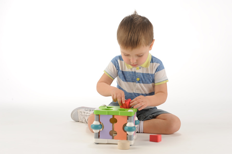 5 Advantages of Buying Educational Toys for Your Toddlers